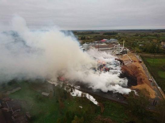 Atnaujino ikiteisminį tyrimą dėl gaisro Radviliškio įmonėje