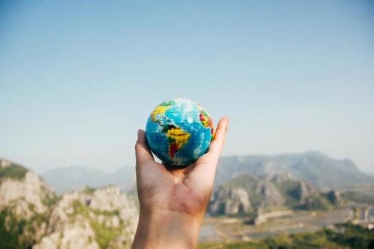 Vykdami į užsienį būtinai pasiimkite Europos sveikatos draudimo kortelę