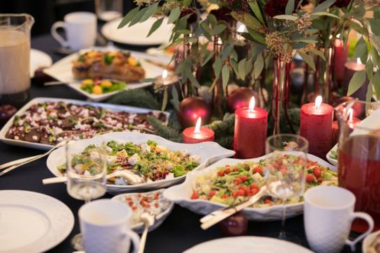 Specialistė pataria: kaip išlaikyti Kūčių tradicijas ir nepersivalgyti?