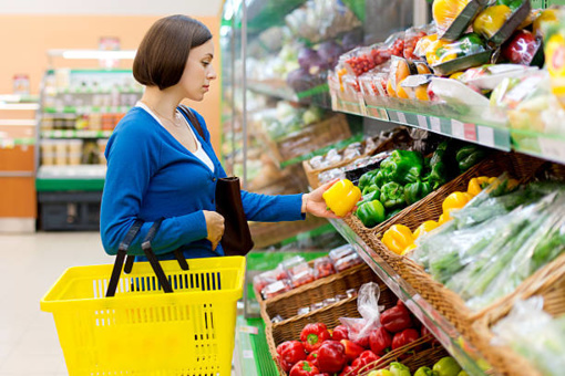 Komisija tirs, kodėl ES šalyse skiriasi parduodami maisto produktai