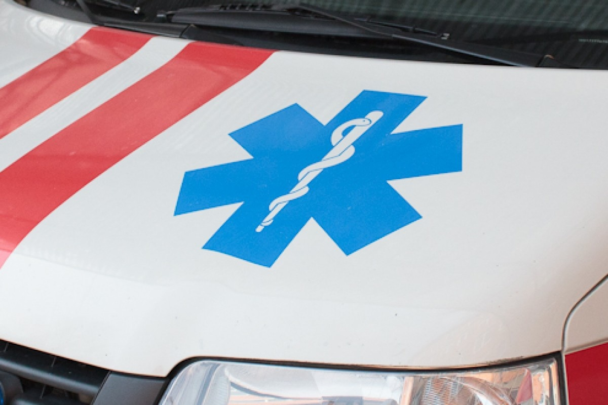 """Vilniuje susidūrė """"Mercedes"""" ir į iškvietimą skubėjęs greitosios pagalbos automobilis"""