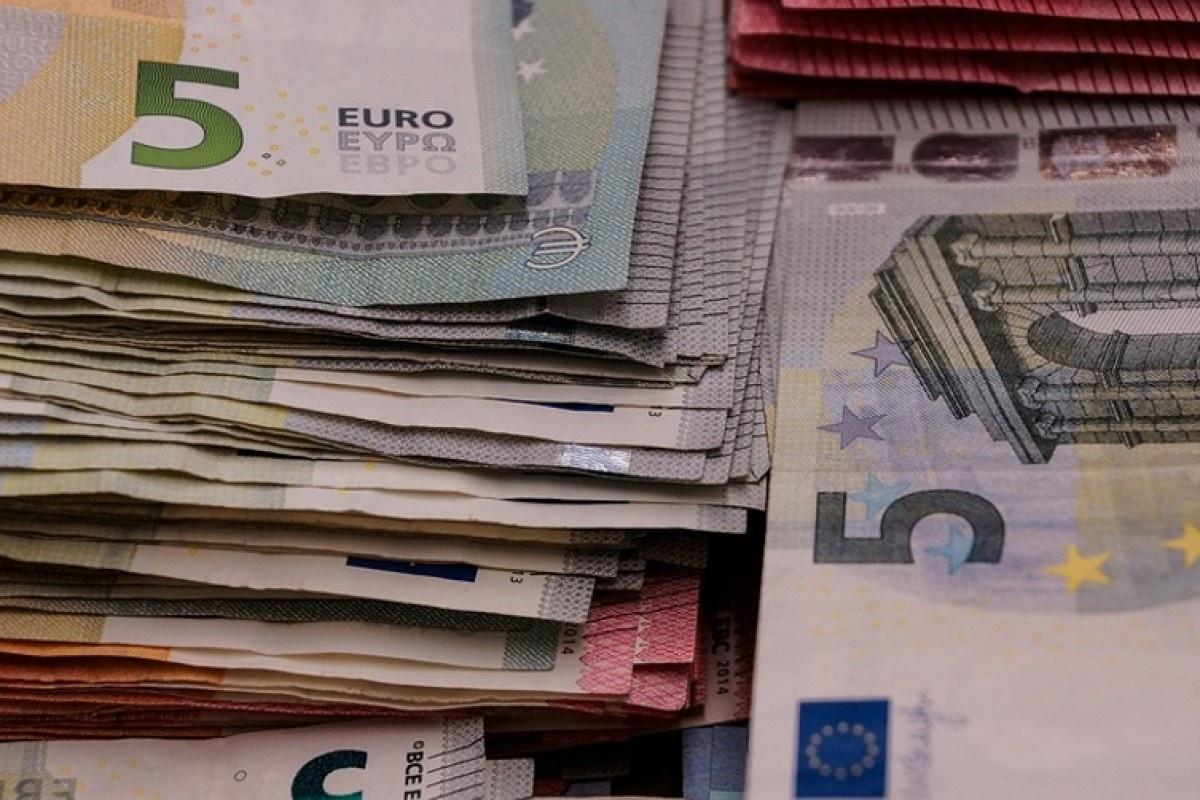Buhalterė ir jos vyras kaltinami pasisavinę 700 tūkst. eurų