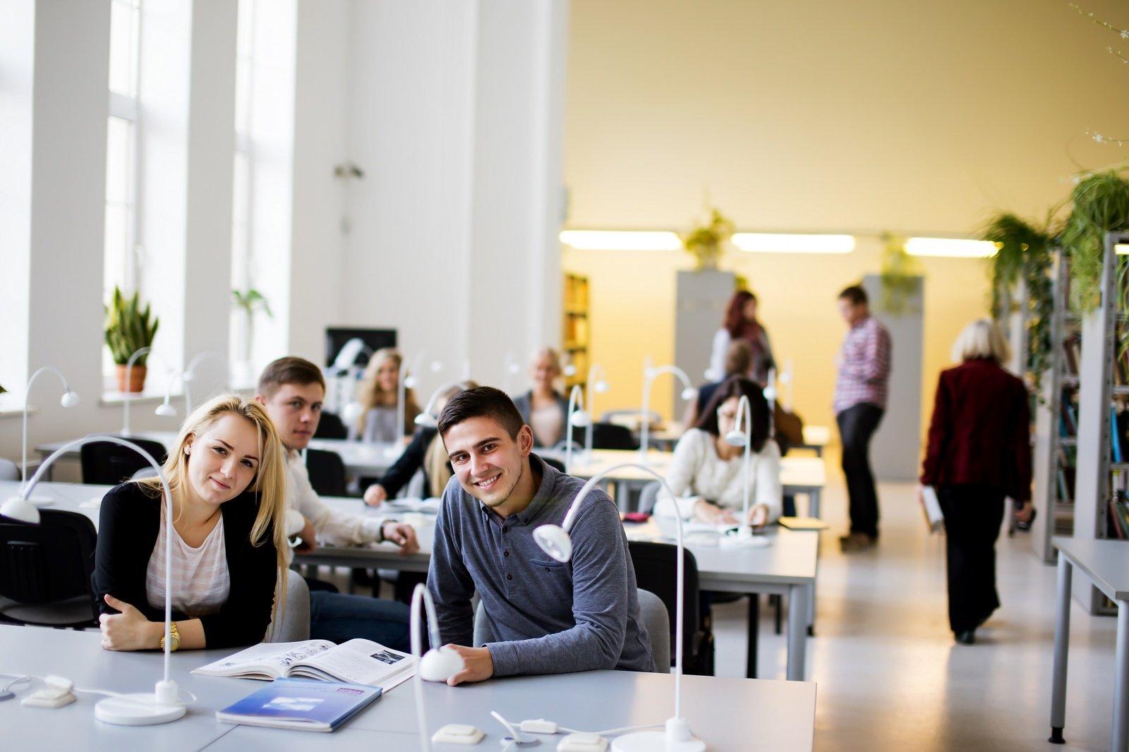 Prasideda bendrasis priėmimas į aukštąsias ir profesines mokyklas