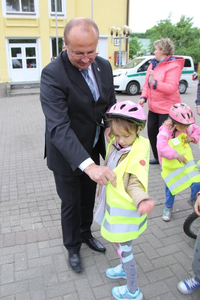 Tarptautinę vaikų gynimo dieną – žygis dviračiais