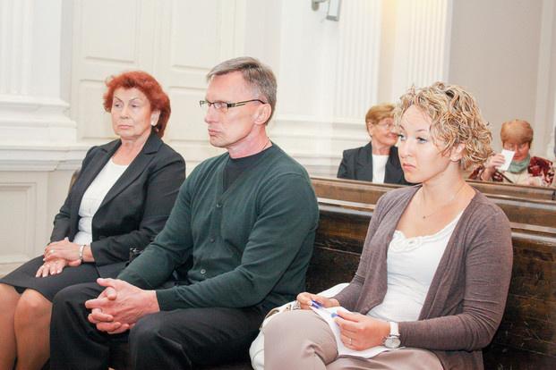 D.Kedžio galimų bendrininkų byla – E.Barauskaitė lieka išteisinta, R.Ivanauskas kalės 8 metus