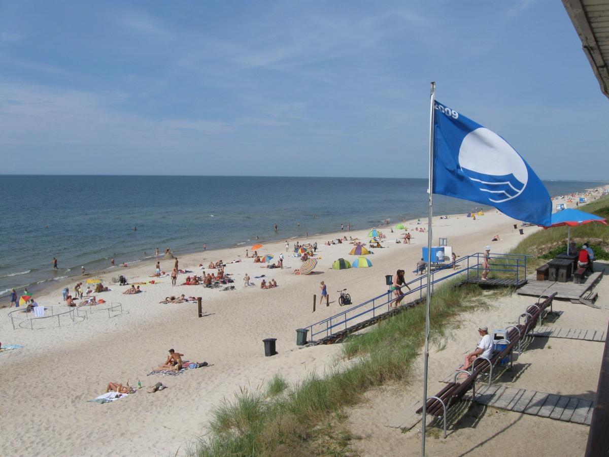 Smiltynėje iškelta Mėlynoji vėliava