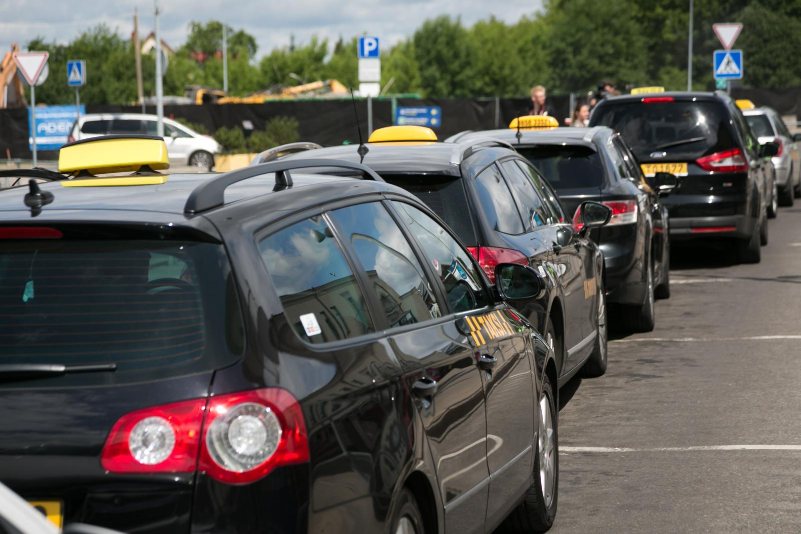 Praėjusią parą Lietuvos keliuose nukentėjo 10 žmonių, vienas mirtinai