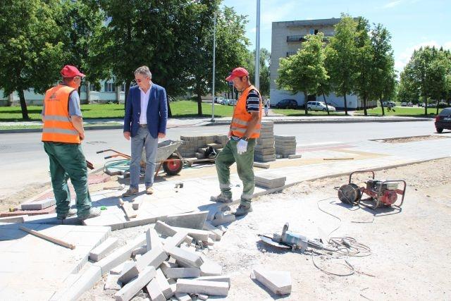 Vaikščioti Kėdainių miesto gatvių šaligatviais daros vis patogiau