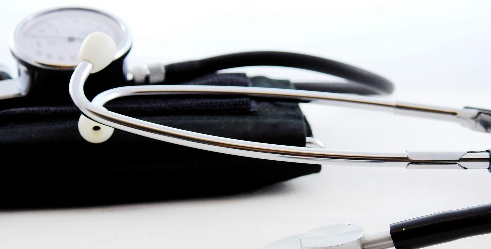 Ukmergės asmens sveikatos priežiūros įstaigų medikai dirba padidintu krūviu