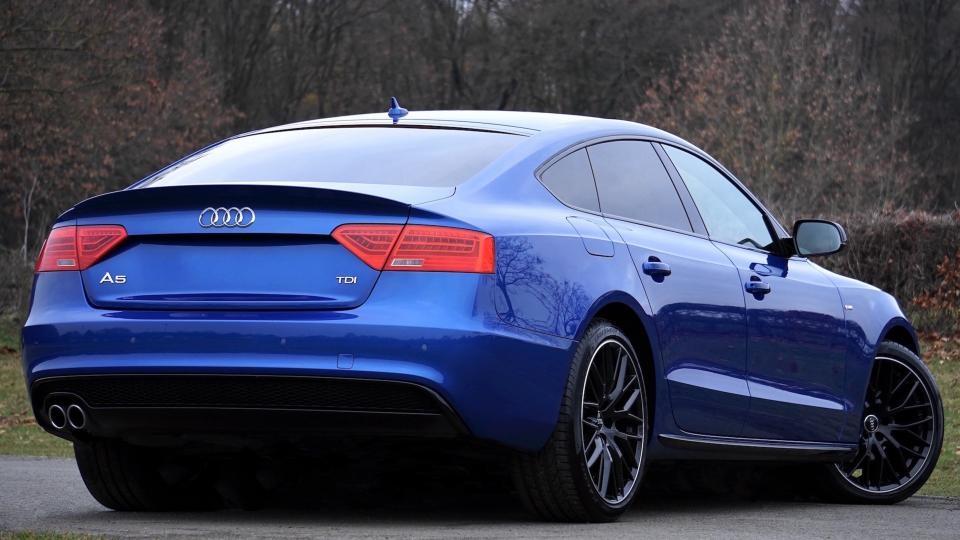 Liepą naujų automobilių rinka augo 8 proc.