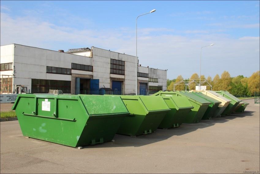 Skuode pradėtos įrenginėti kombinuotos komunalinių atliekų surinkimo konteinerių aikštelės