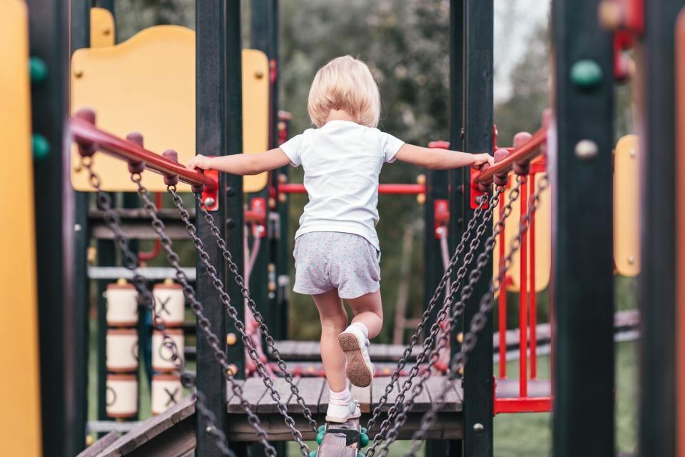 Vasaros iššūkis tėvams: vaikams energijos galėtų pavydėti atletai