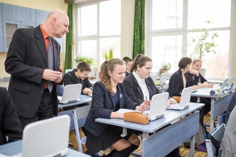 Švietimo ir mokslo ministrė: ar reikia kelti mokytojų algas? Reikia