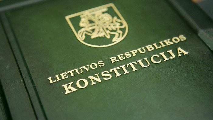 Lietuvos Konstitucijai 25-eri: lietuviai kviečiami atgaivinti ir pasitikrinti žinias