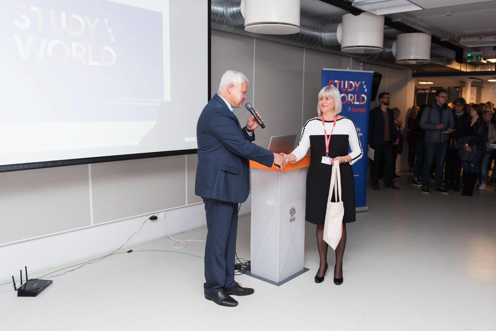 Klaipėdos ir Vilniaus jaunimas parodė – studijuoti svetur nori dauguma