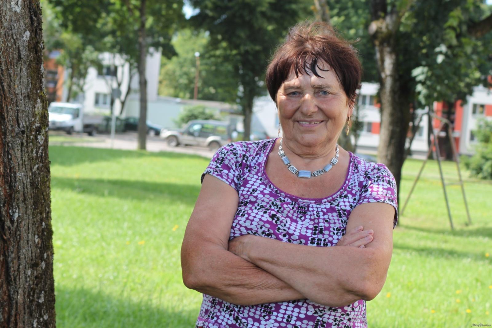 Laužo lietuvių senjorų stereotipus – po pasaulį keliauja iš pensijos