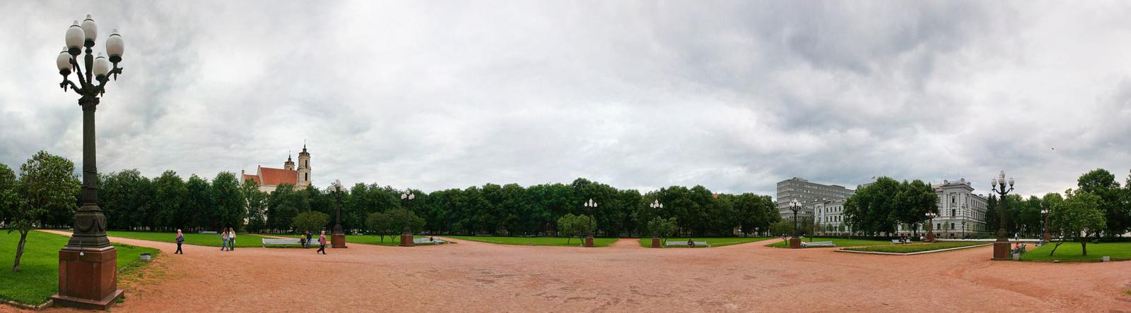 Vilniaus valdžia ketina restauruoti Lukiškių aikštės šviestuvus