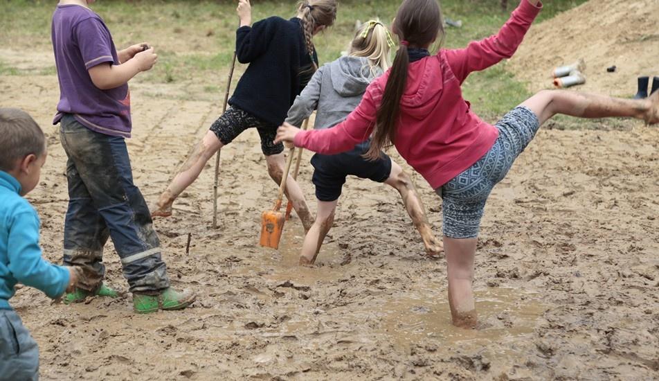 Pradėjo veiklą nauja švietimo įstaiga – Kardokų gamtos mokykla