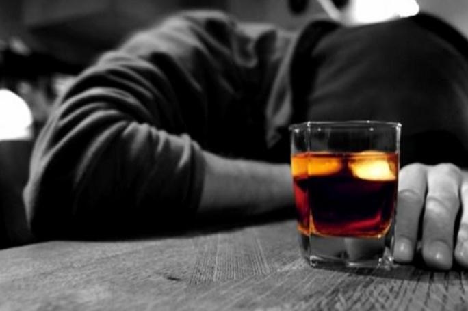 Seimas siūlo nuo alkoholizmo gydyti priverstinai