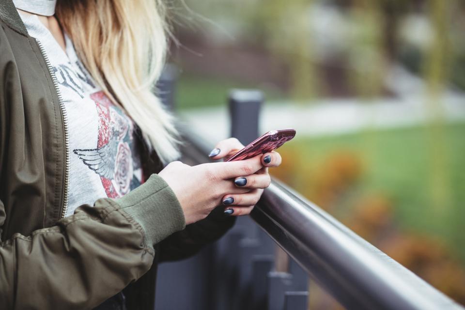 Vyriausybė spręs dėl SIM kortelių registravimo
