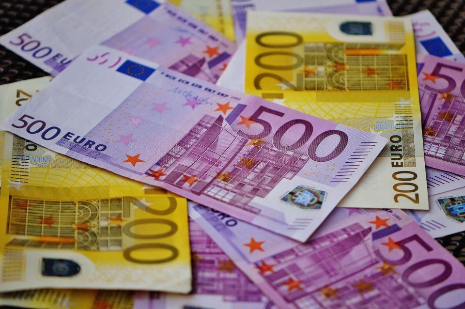 Mažeikių bankomate – netikri banknotai