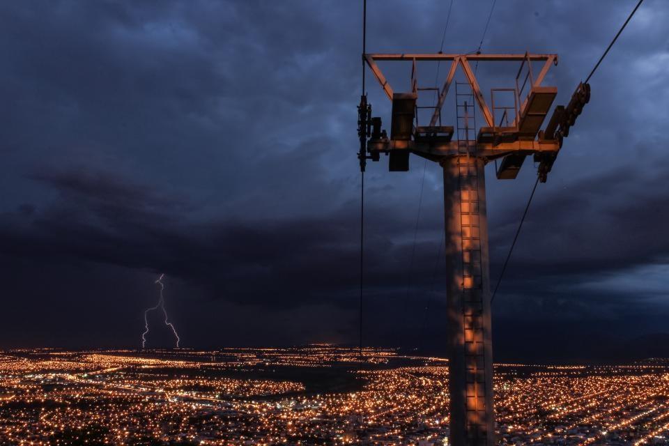 Valstybinės svarbos energetiniuose projektuose norima pažaboti valstybines bendroves