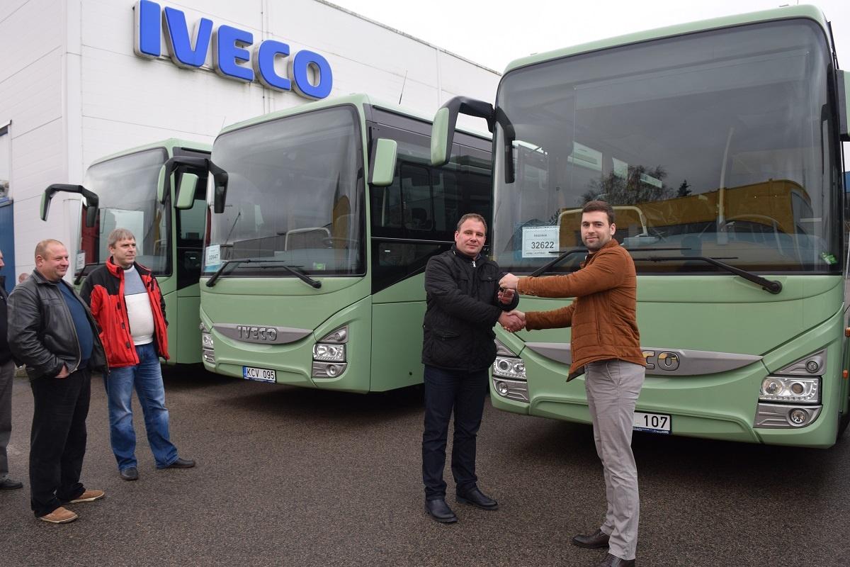 """Raseiniškiai važinės moderniais """"Iveco"""" autobusais"""