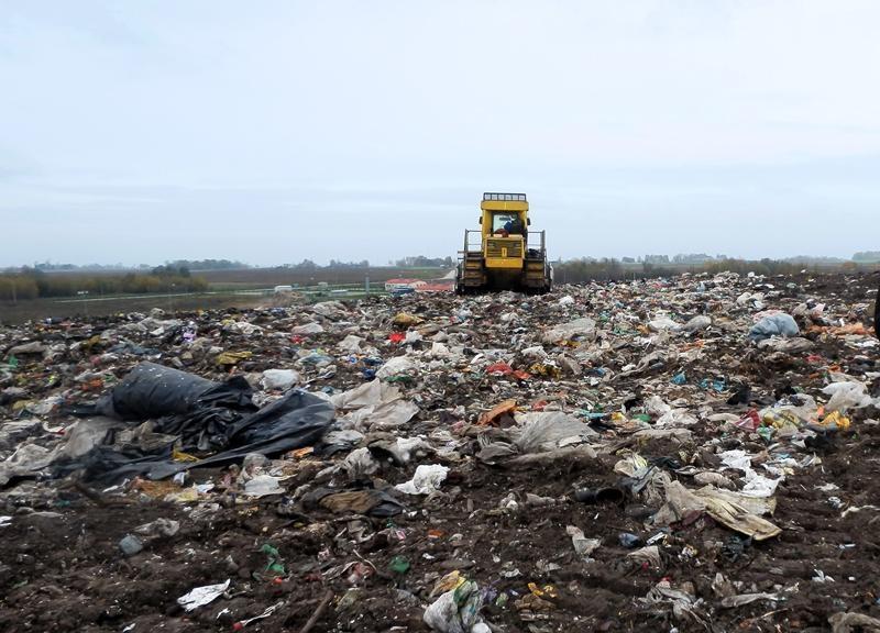 Į atliekų tvarkytojų reikalus jau įtraukti ir teismai, ir policija