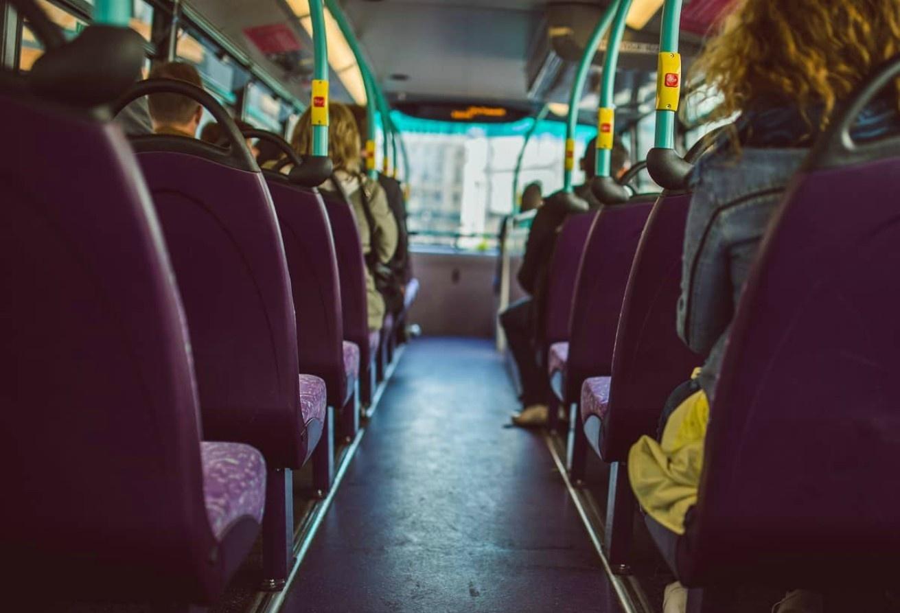 Šilutės plente susidūrė autobusas ir automobilis