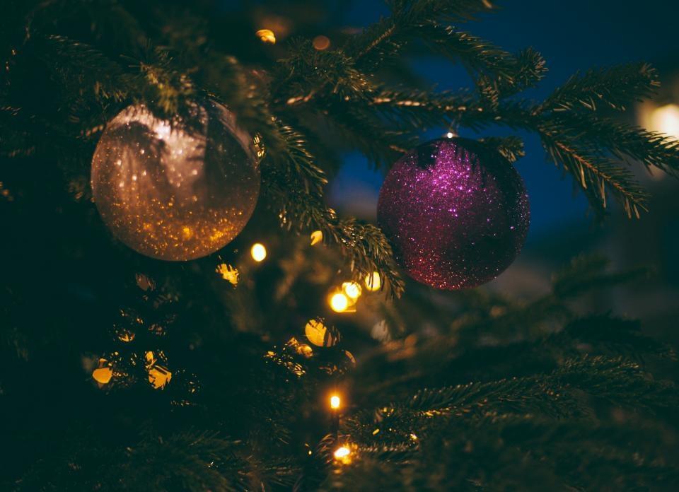 Šventėms papuoštas miestas, įžiebta Kalėdų eglė