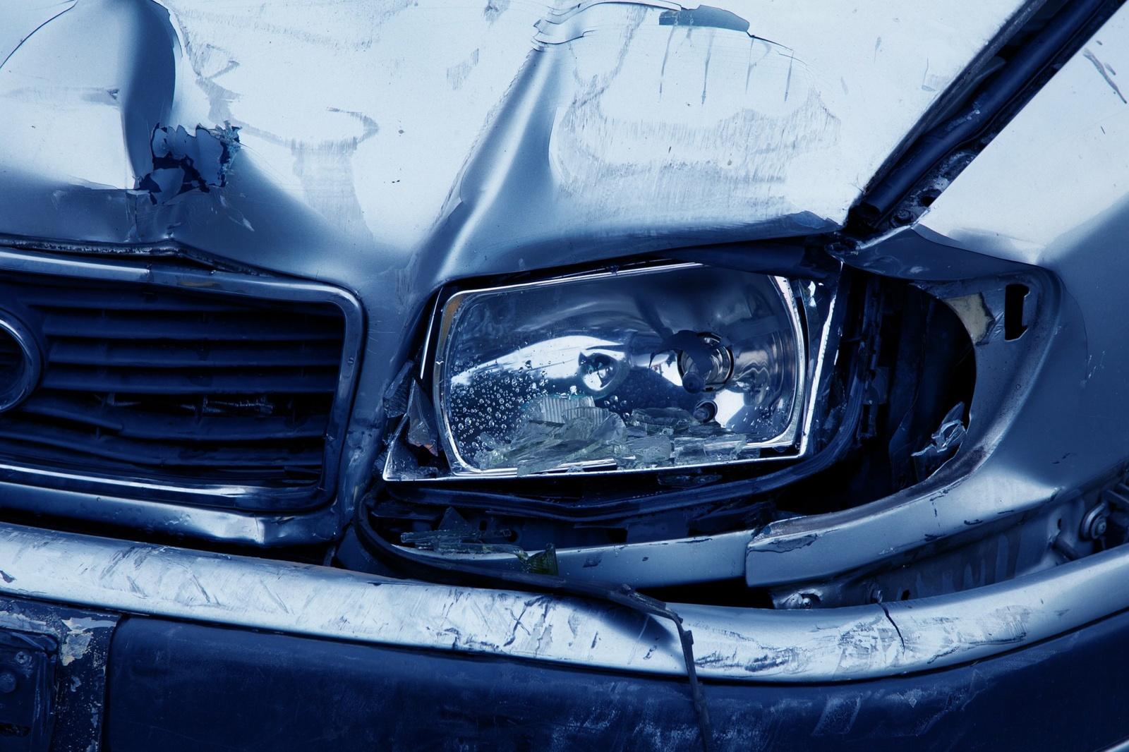 Jurbarko rajone apvirto automobilis