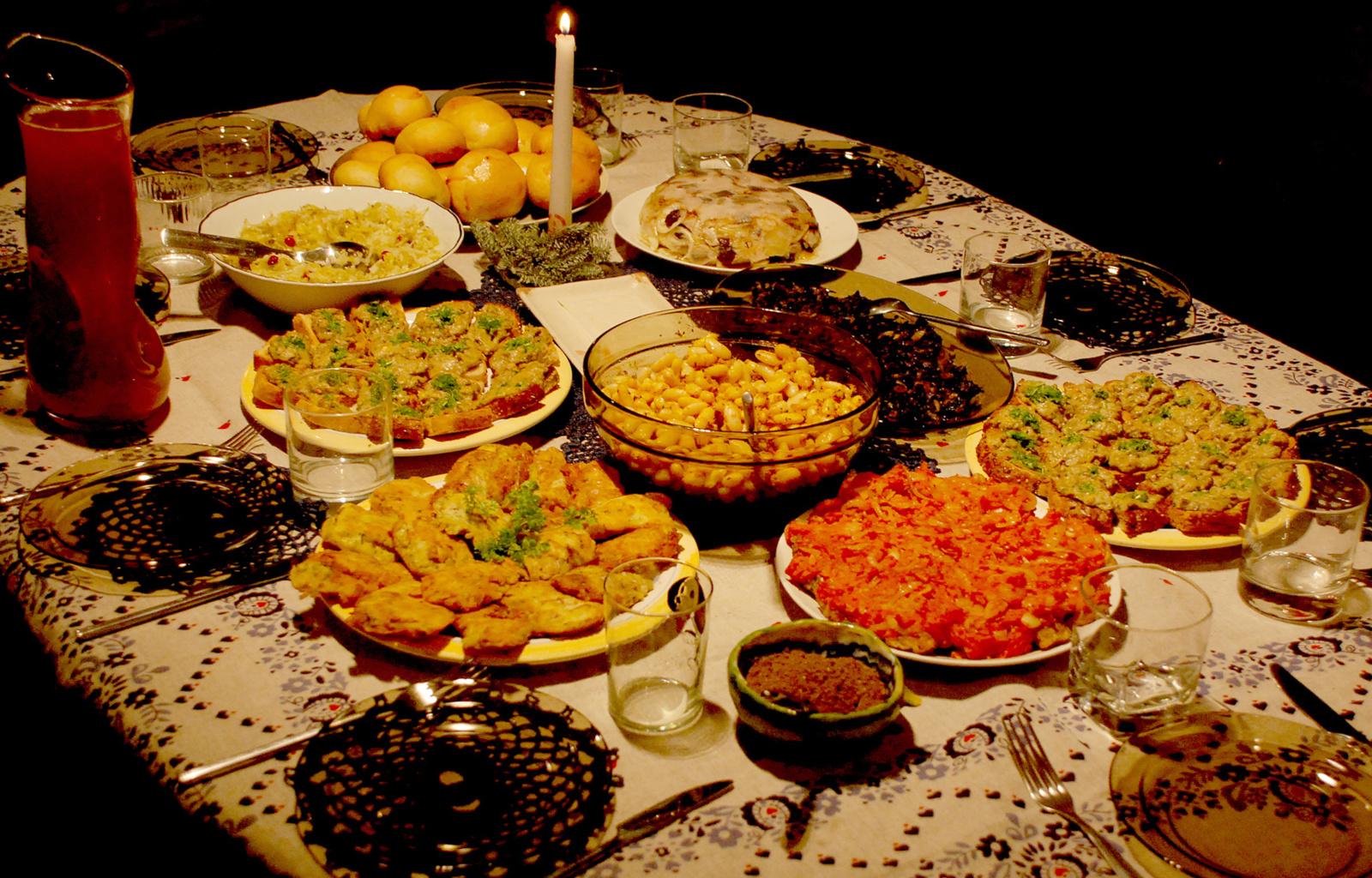 Lietuviškos tradicijos ant Kūčių stalo