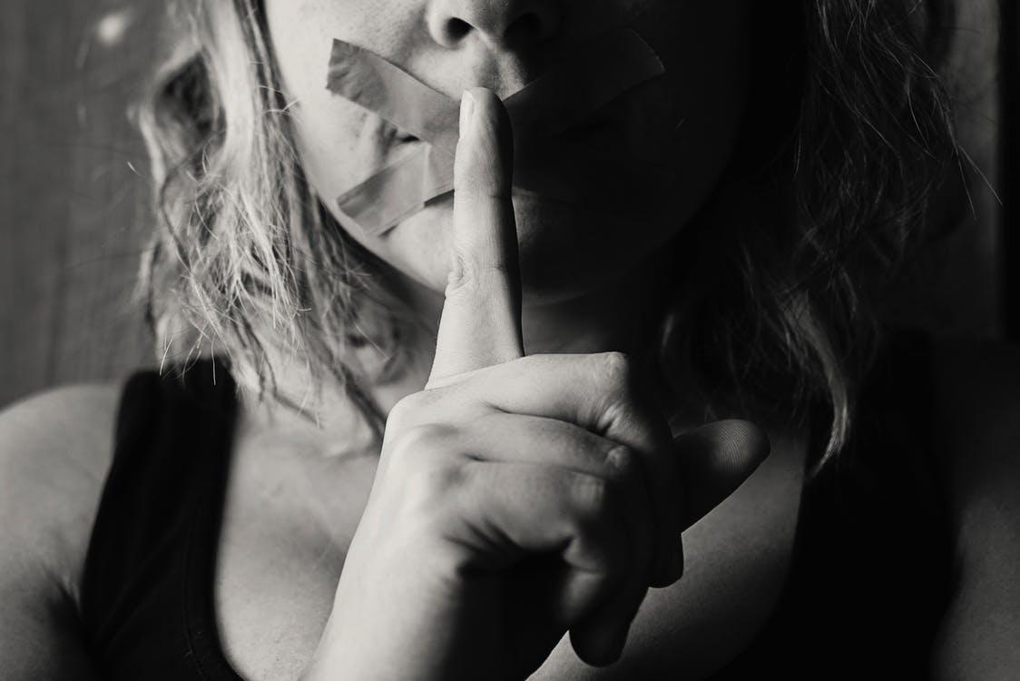 Europos Sąjungoje kas antra moteris patiria seksualinį priekabiavimą.  Kaip tai išspręsti?