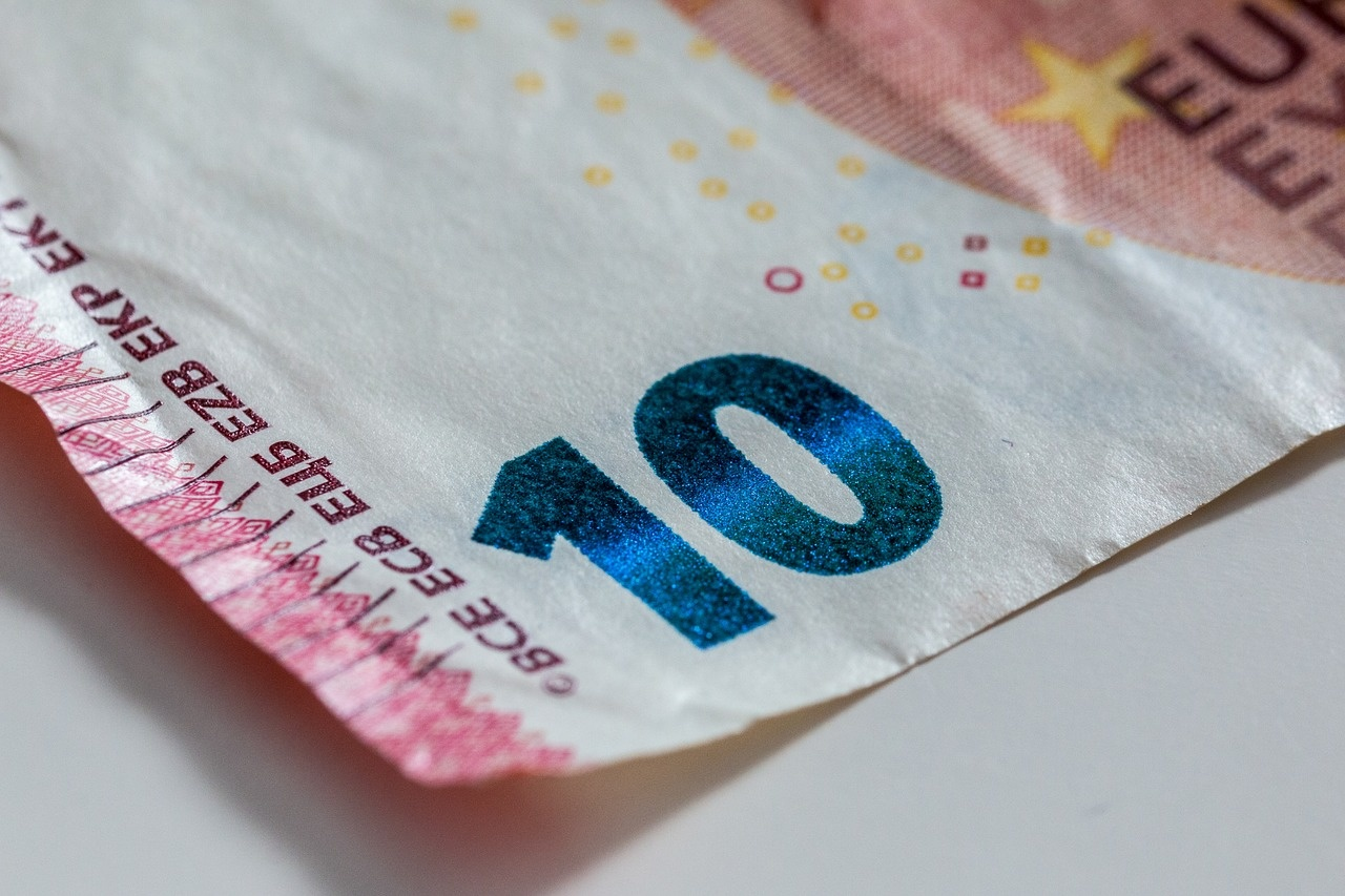 Kyšis pareigūnui - 10 eurų