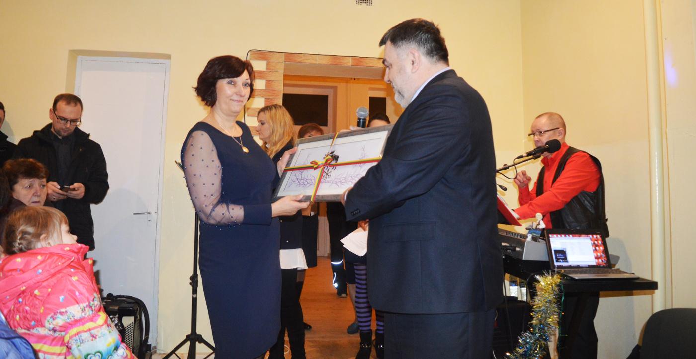 Naujai suremontuoti Mikniškių kaimo bendruomenės namai kvietė į šventę