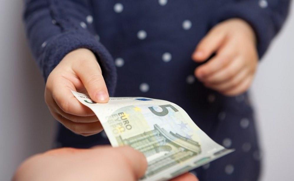 Tėvai jau gali kreiptis dėl vaiko pinigų