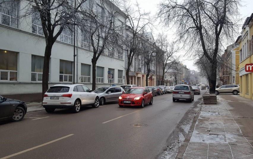 Lietuvos keliuose yra slidžių kelių ruožų, perspėja kelininkai
