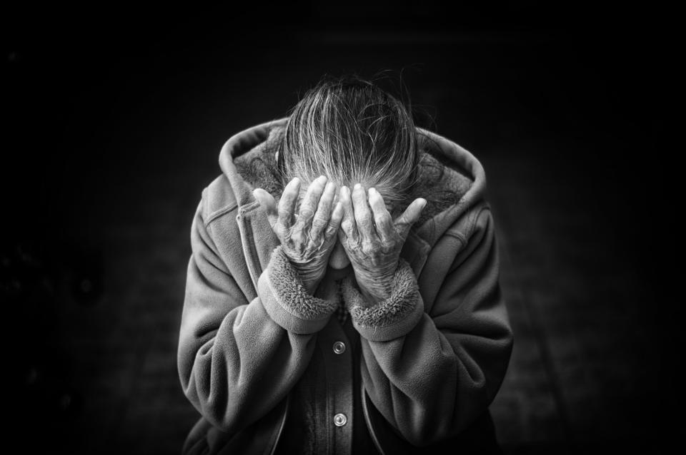 Pasvalio rajone neblaivus vyras smurtavo prieš neblaivią močiutę