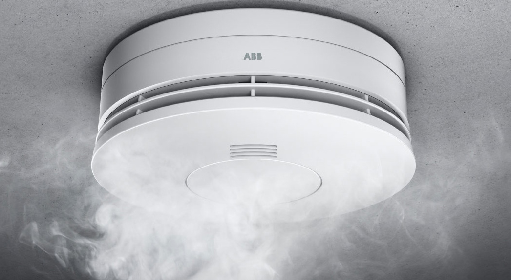 Nuo gegužės visuose namuose turės būti įrengti dūmų detektoriai