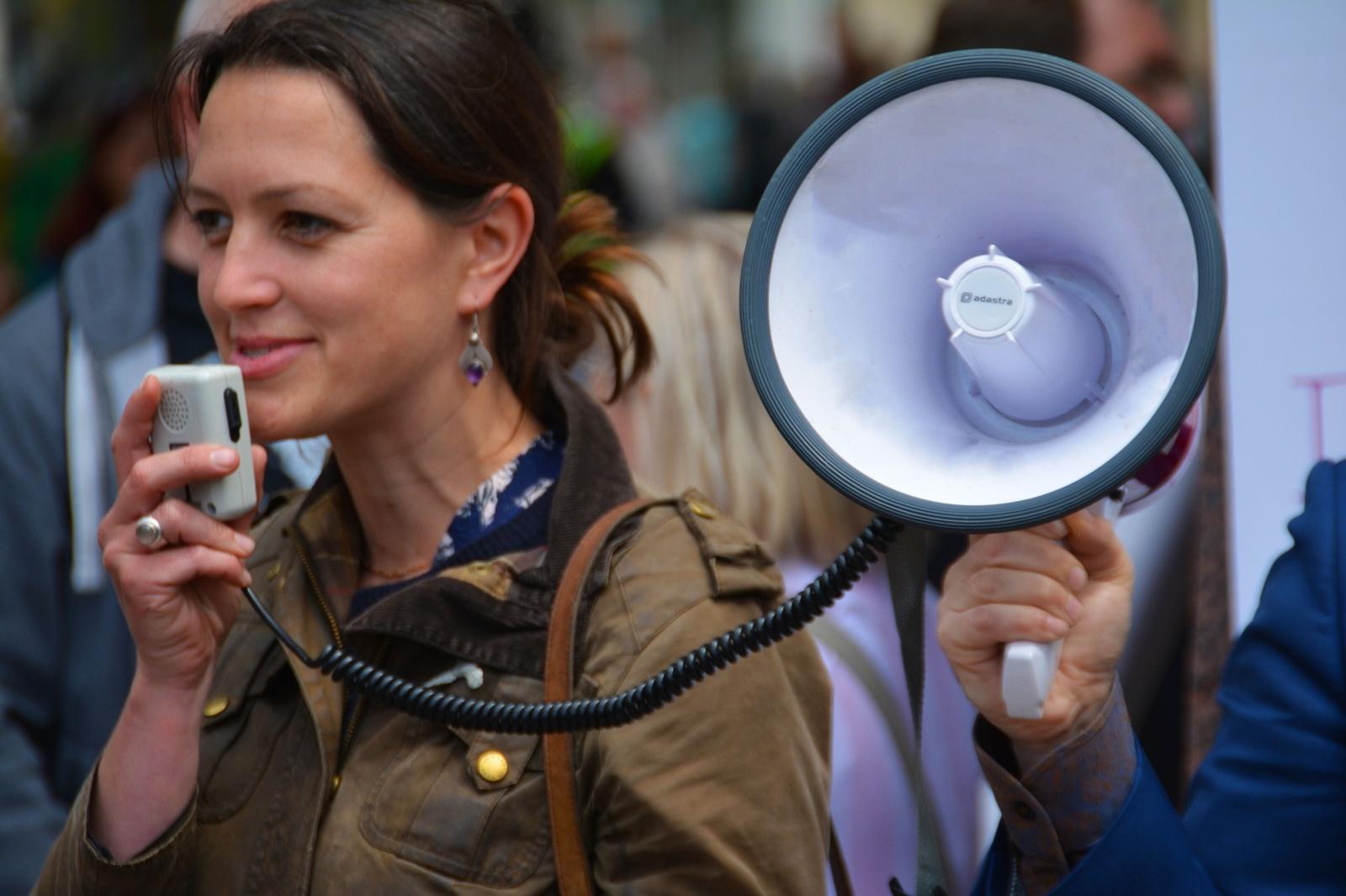 Risultati immagini per art of public speaking