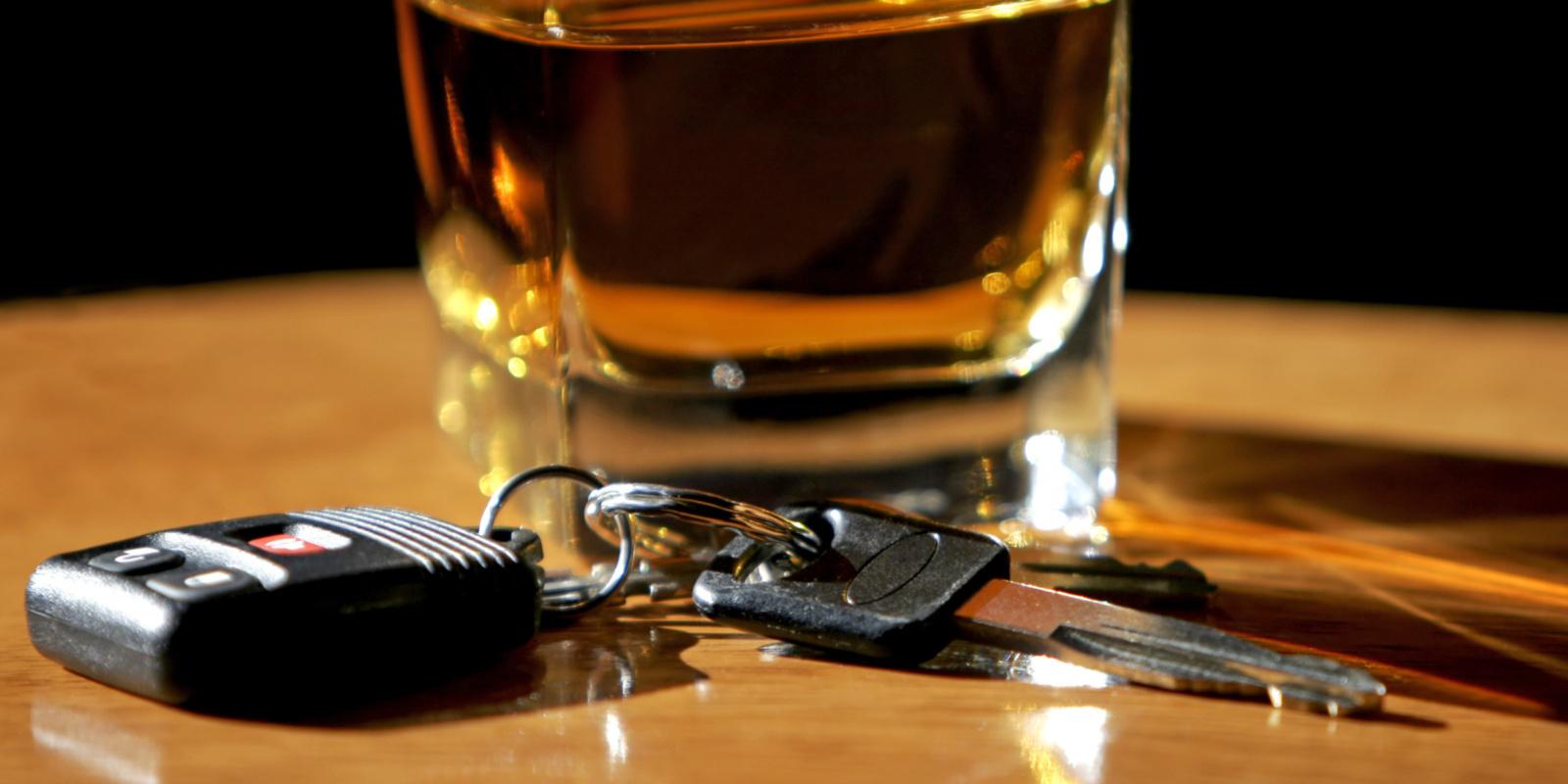 Už vairavimą neblaiviam prokurorė prašo skirti laisvės atėmimo bausmę