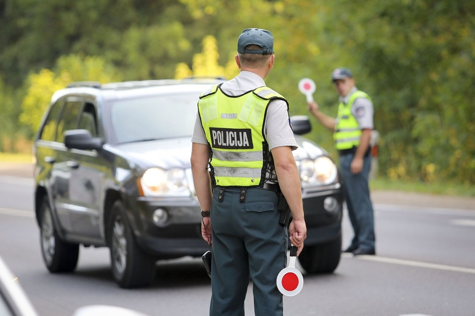 Per savaitę sostinės kelių policijai įkliuvo 20 neblaivių vairuotojų