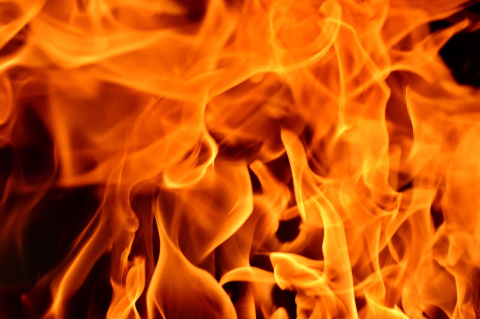 Kelmijos Soduose dega namas