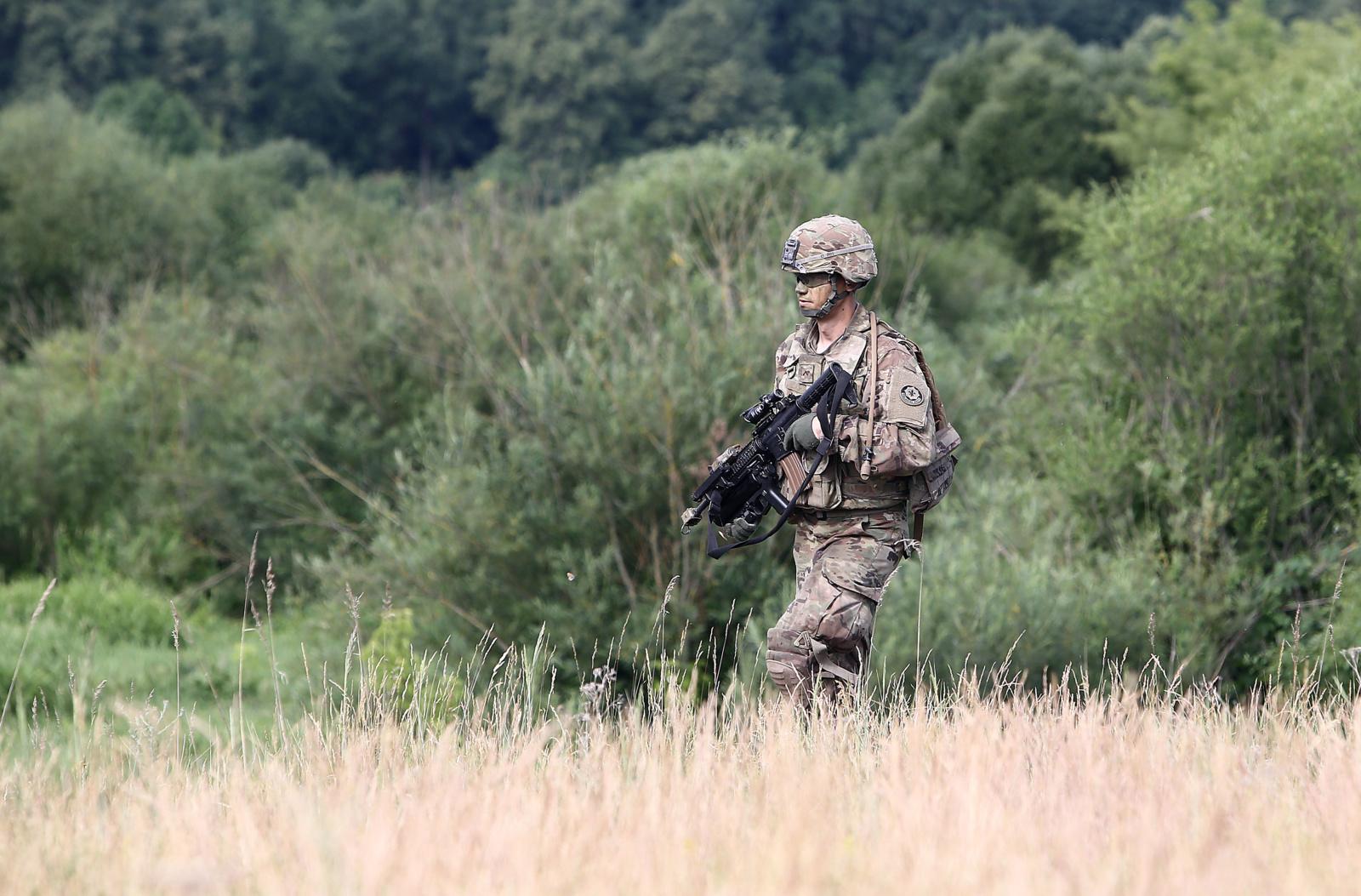 Karinės pratybos Akmenės rajone