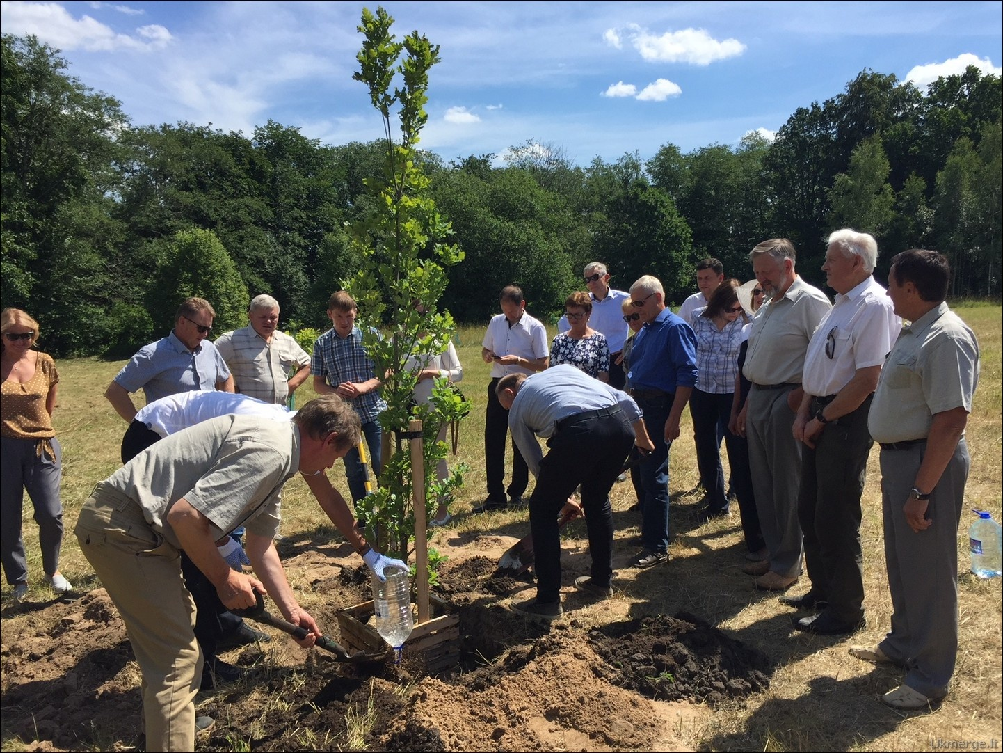 Ukmergės rajone atidarytas Lietuvos valstybės atkūrimo šimtmečio ąžuolynas