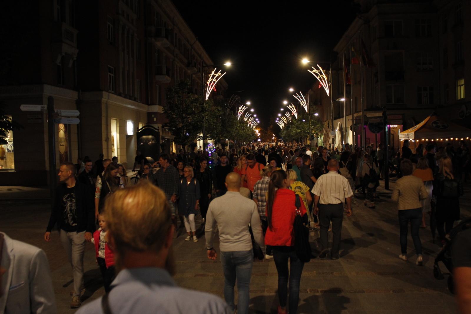 Šiauliai naktį - pilni gyvybės (nuotraukų galerija)
