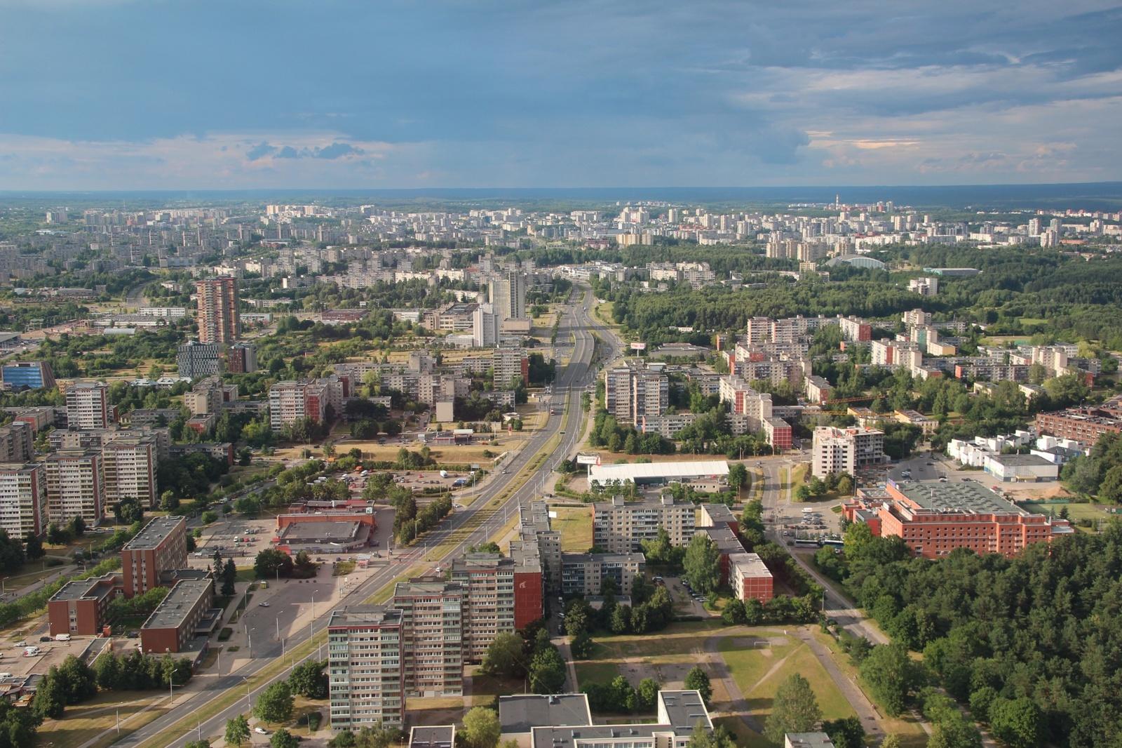 Dešimtys žmonių susirinko į protesto akciją prie Baltarusijos ambasados Vilniuje
