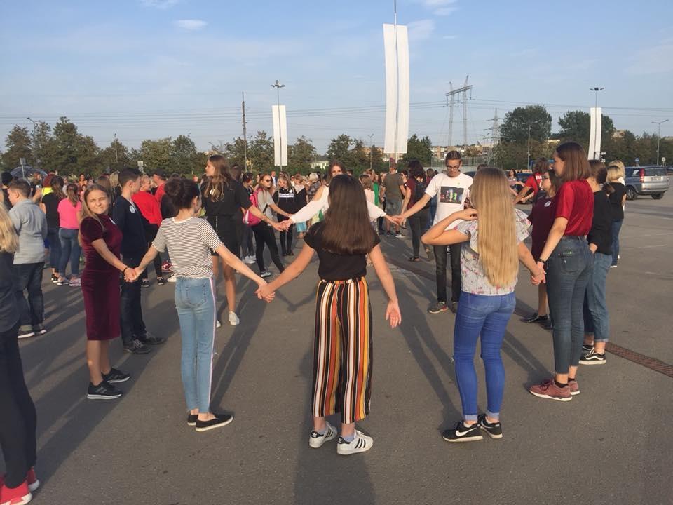 Šiauliečiai pasiekė šokančių savanorių rekordą (vaizdo medžiaga)