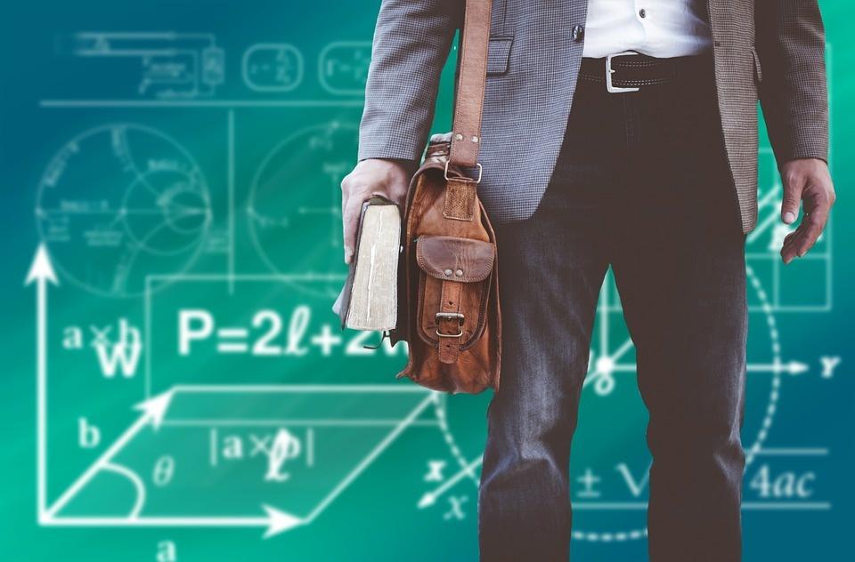 Įvedus etatinį mokytojų darbo užmokestį nebereikės korepetitorių?