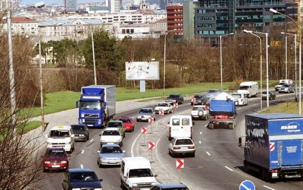 Automobilių dalijimosi paslaugas teikiančios įmonės skatinamos imtis aktyvesnių veiksmų eismo saugai gerinti